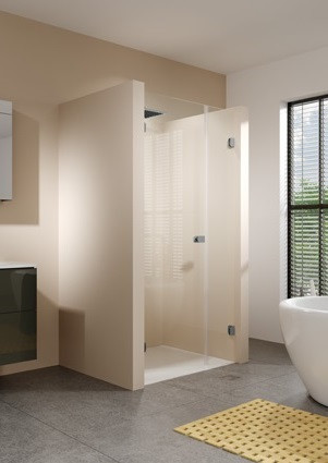Душевая дверь 138,2 см Riho Scandic Soft Q102 L GQ0732001 прозрачное фото